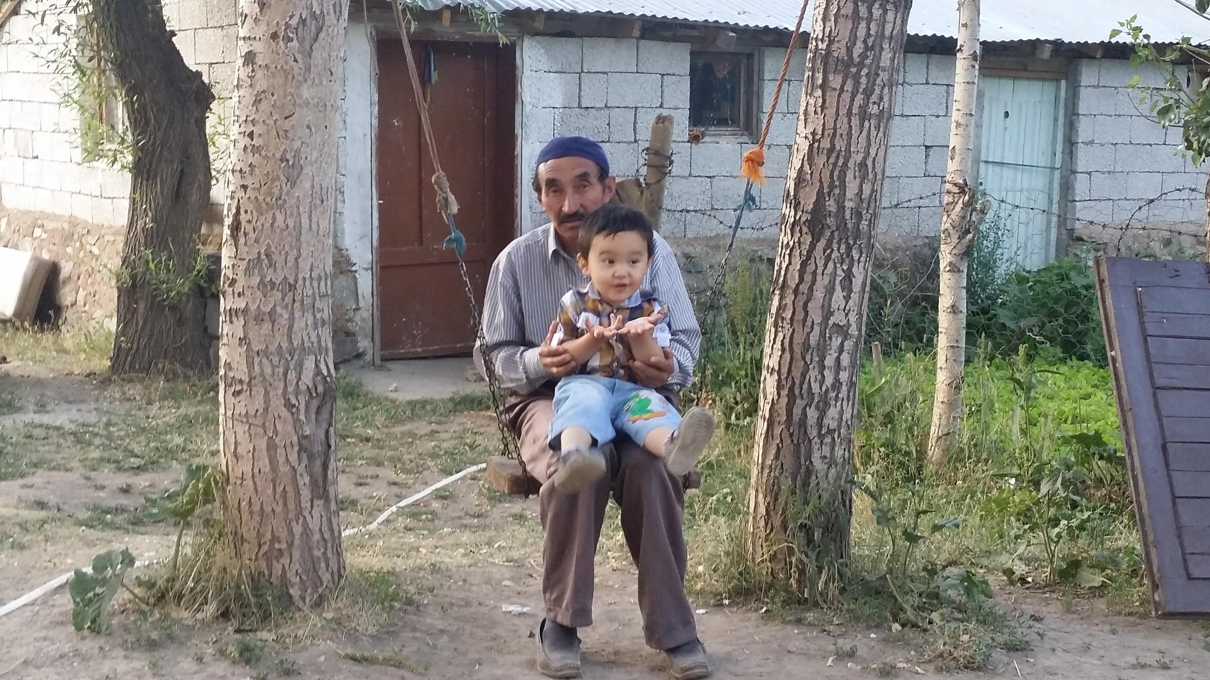 Ванские кыргызы живут в куда лучших условиях, чем памирские.