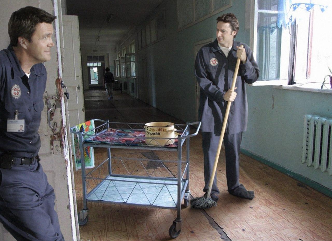 Джей Ди теперь работает в русской поликлинике.
