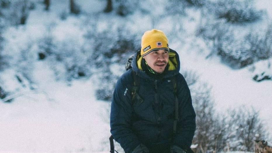 Многое зависит от погодных условий, но мы надеемся, что восхождение будет успешным. Я думаю, что это будет искренний, хороший момент. Каждый раз, когда ты доходишь до вершины, испытываешь огромный эмоциональный подъем. Это самые сладкие 30-40 секунд в жизни, которые чувствует любой альпинист. И ради этих секунд, по-моему, мы и живем», — рассказал Магжан Сагимбаев корреспонденту Tengrinews. Фото: Facebook