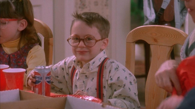 Этот мальчишка был младшим братом главного героя и в кино, и в жизни