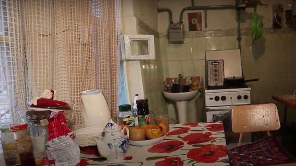 Сейчас пенсионеры живут в доме у художницы. Их родной дом к этому времени уже дважды перепродали.