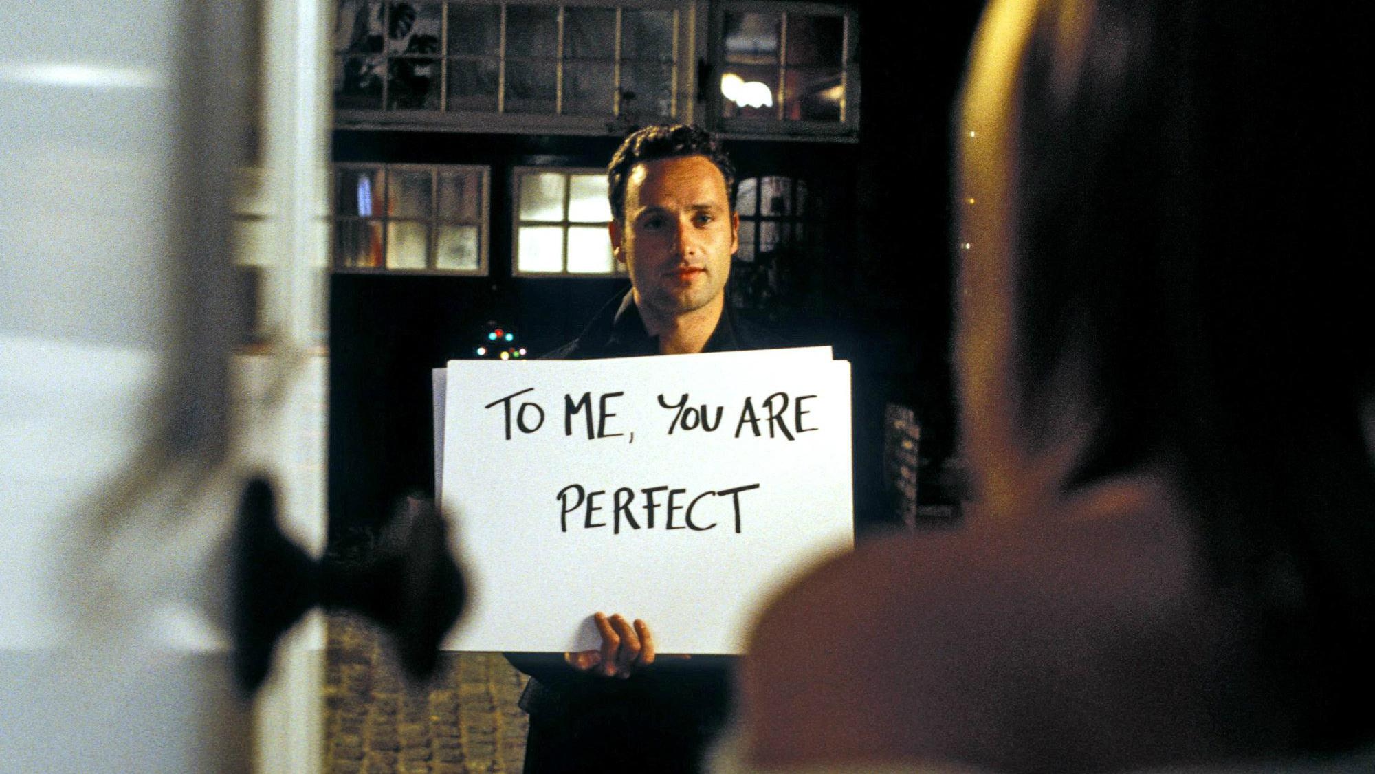 Герой какого фильма выбрал оригинальный способ признаться в любви?