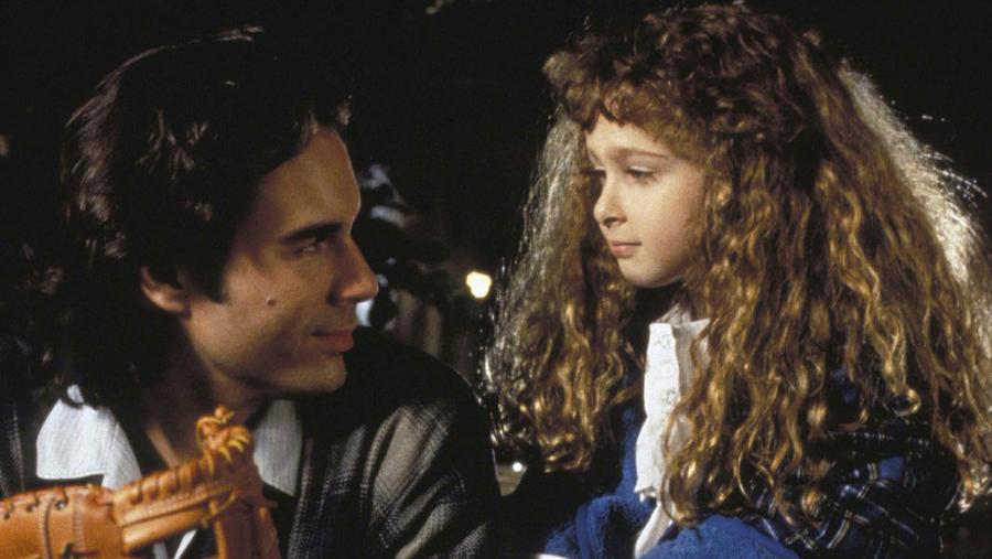 В каком фильме сыграла эта милая кудрявая девочка?