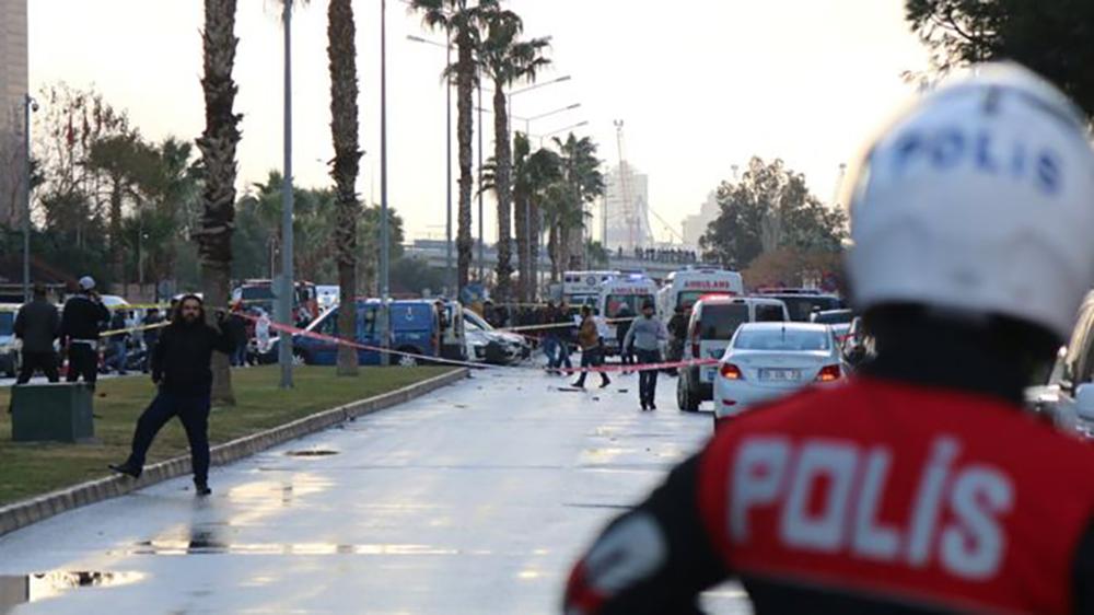 Власти Измира назвали виновных втеракте уздания суда