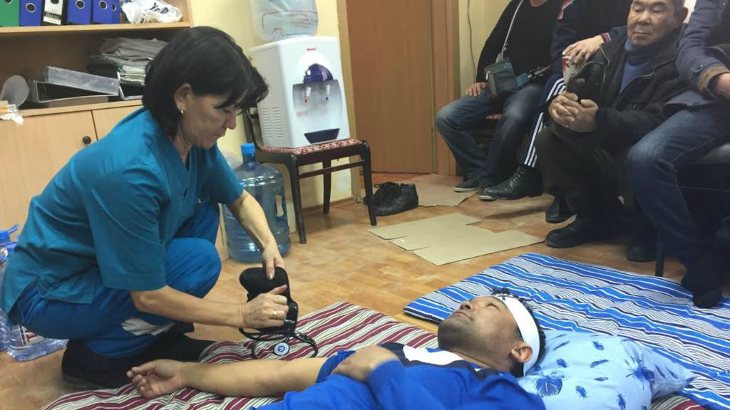 Здоровье протестующих значительно пострадало из-за голодовки. Фото: Рамис Толкан \ Azattyq.