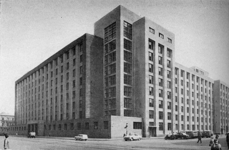 """Тот самый """"Большой дом на Литейном"""" - здание КГБ в Ленинграде."""