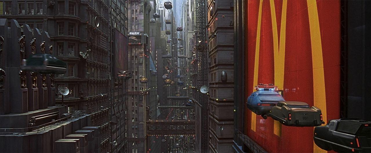 Раз в пять тысяч лет открываются двери между измерениями и темные силы стремятся нарушить существующую гармонию. Вселенной нужен герой, способный противостоять этому злу. В XXIII веке это сделает бравый житель Нью-Йорка.