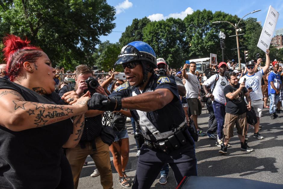 Д.Трамп поддержал протестующих вБостоне